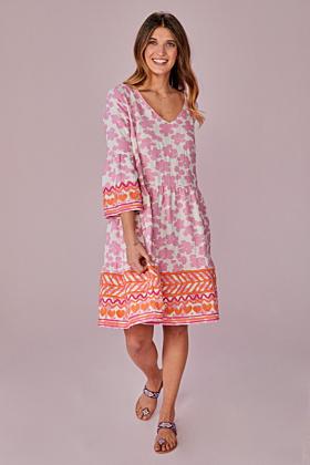 Kleid mit Stickerei am Saum