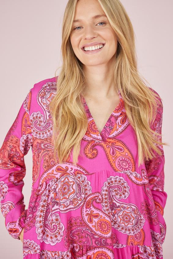 Langarmkleid mit pinken Paisley Muster